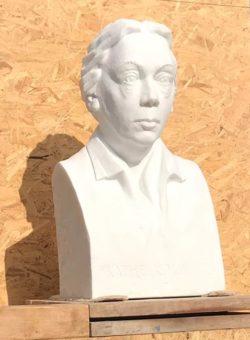 Büste von Käthe Kollwitz, gefertigt vom Bildhauer Uwe Spiekermann in Laaser Marmor